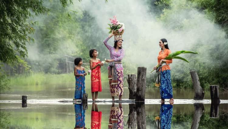 Jelaskan penyebab keberagaman suku bangsa dan budaya di Indonesia
