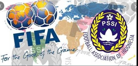 Tuliskan induk organisasi sepak bola nasional dan internasional