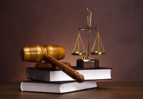 Sumber dari segala sumber hukum di Indonesia adalah