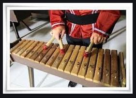 pola apa yang digunakan untuk permainan dengan alat musik melodis
