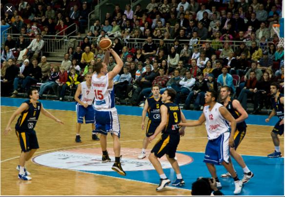 Jumlah pemain dalam satu regu pada permainan bola basket adalah
