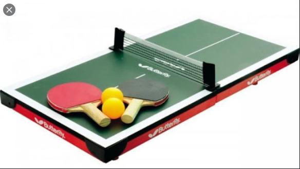 Sebutkan beberapa peralatan yang digunakan untuk permainan tenis meja