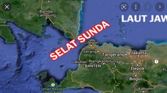 Pulau sumatra dan jawa dihubungkan oleh wilayah perairan. perairan tersebut juga menghubungkan laut jawa dan samudra hindia. perairan yang dimaksud adalah