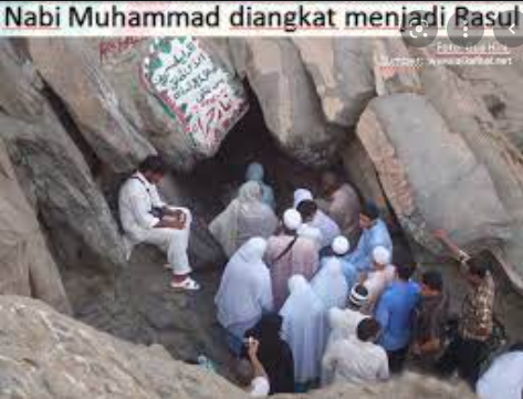 Nabi Muhammad Saw. diangkat menjadi rasul pada usia